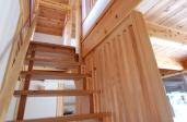 西塩野のいえ/階段