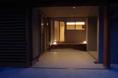 五福6区のいえ/オープンガレージ